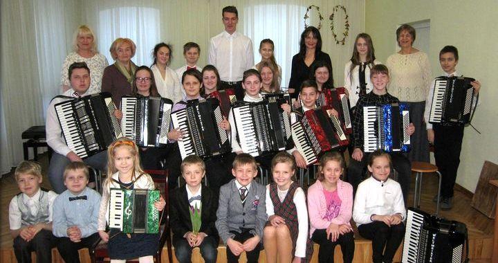 Tukumā izskanējis starpnovadu festivāls-koncerts «Lai skan akordeons»