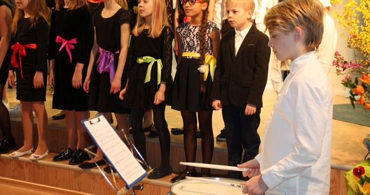Engures Mūzikas un mākslas skola nosvinējusi 25. dzimšanas dienu