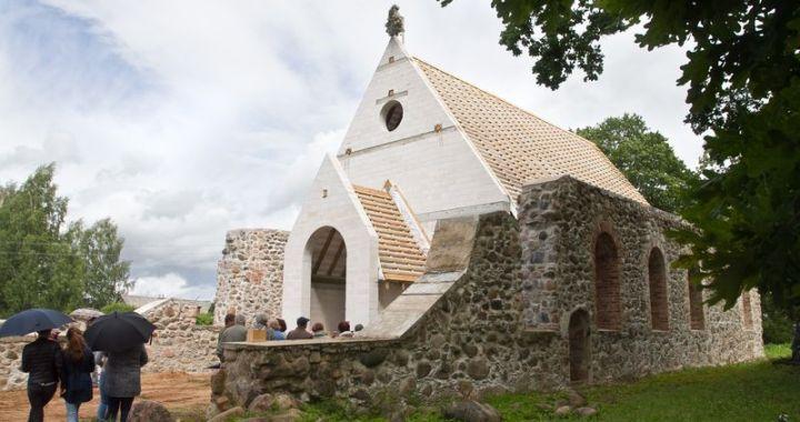 Džūkstes baznīca nosvinējusi spāru svētkus