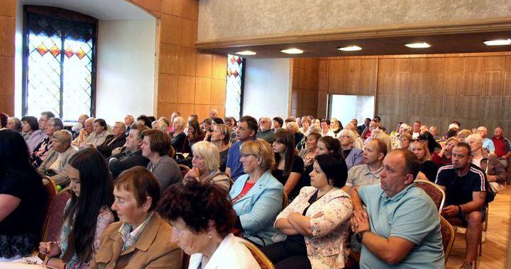 Jaunpilī diskutē par gaidāmo reformu