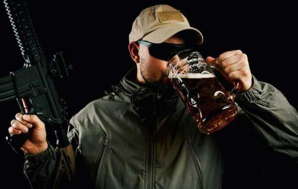 Dzērumā lielās ar ieroci