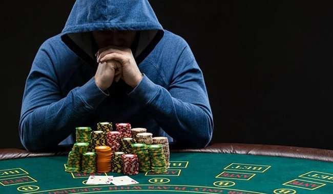 Covid-19 izplatības laikā ne spēļu zālēs, ne internetā nebūs pieejamas Latvijā licencētās azartspēles