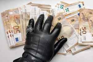 Tukuma novadā mēģina piekukuļot policistu, solot 140 eiro