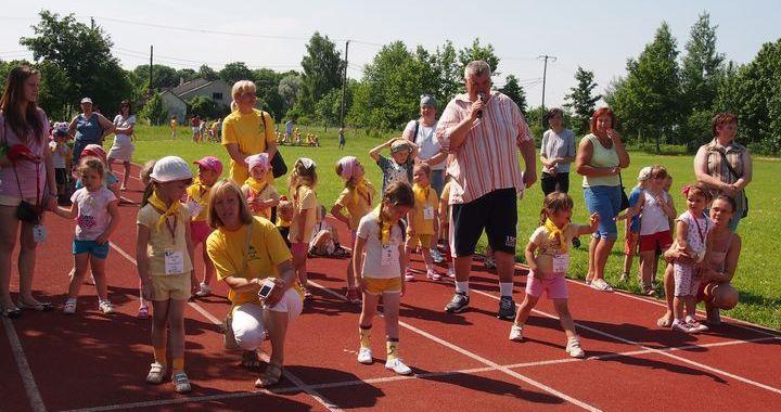 Bērnu Olimpiskā diena Kandavā /FOTO/