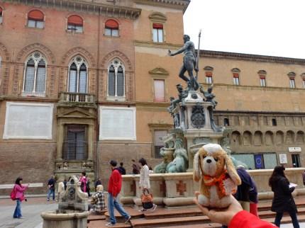 con Nettuno en Bologna (Italia)