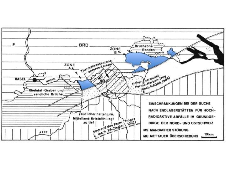 Abbildung 1: Einschränkung der Standorte für geologische Tiefenlager nach der Untersuchung des Grundgebirges im Rahmen von Projekt Gewähr in den 1980er Jahren. Für die Standortwahl für geologische Tiefenlager verbleibende Zonen in Blau (Buser & Wildi, 1984, Abb. 3).