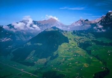 """Wellenberg: """"der grüne Berg"""" im Kanton Nidwalden (photo: www.kernenergie.ch/de/genossenschaft-entsorgung.html)"""