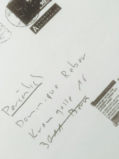 "Handschriftliche Anschrift des Briefes an Dominique Reber, Lobbyist der Agentur ""Hirzel.Neef.Schmid Konsulenten"" mit dem Vermerk ""persönlich"", September 2012"