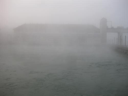 Abbildung 5: Kraftwerk Chancy-Pougny, Stauseeromantik.