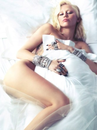 miley cyrus white bedding sheets