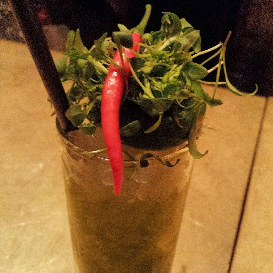 Shizo cilantro Collins - gin, feuille Oba, coriandre, jus de lime frais, soda - 12$