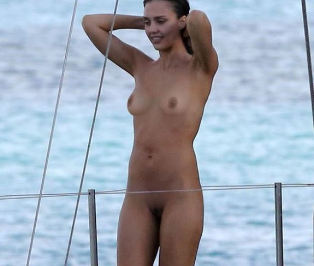 Celebrity Nude And Famous Alba