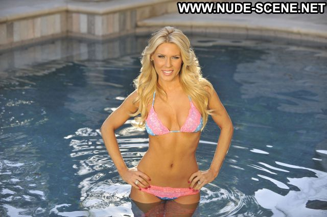 Gretchen Rossi Nude Scene Cute Babe Celebrity Blonde Pool Posing Hot