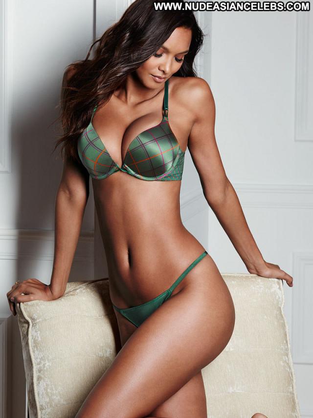 Lais Ribeiro Celebrity Sexy Posing Hot Model Beautiful Babe Brazilian