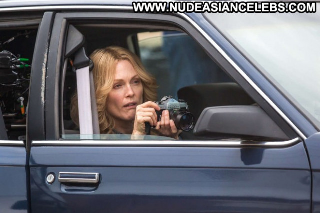 Julianne Moore Paparazzi Celebrity Beautiful Posing Hot Babe Hot Doll
