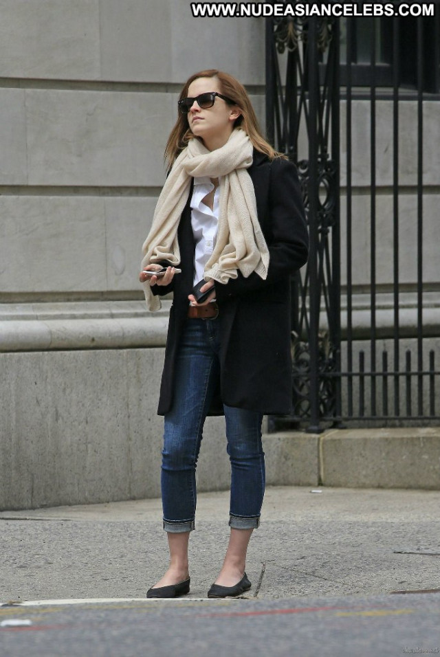 Emma Watson New York Babe Beautiful Paparazzi Posing Hot Celebrity