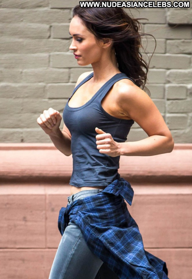 Megan Fox Babe Beautiful Paparazzi Mutant Celebrity Ninja Posing Hot