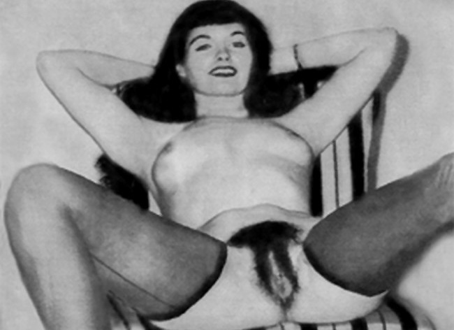 pin-up legend bettie page shows her pussy