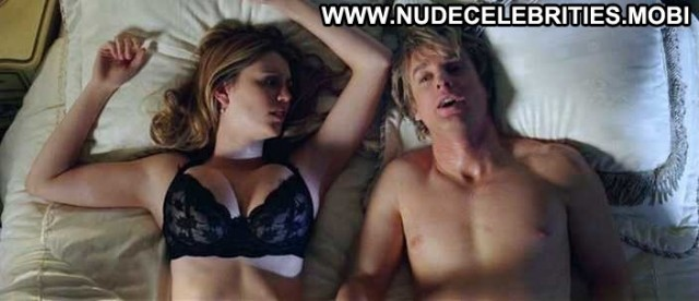 Diora Baird Nude Sexy Scene Wedding Crashers Model Thong Ass