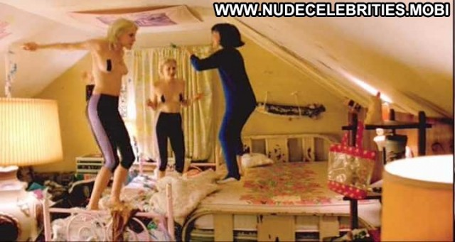Chloe Sevigny Gummo Topless Bed Jumping Posing Hot Sexy Hot Gorgeous