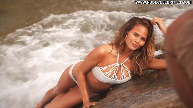 Christine Teigen Sports Illustrated Swimsuit Celebrity Babe Swimsuit