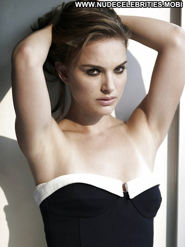Natalie Portman Pictures Celebrity Nude Doll Beautiful Hot Gorgeous