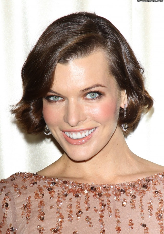 Milla Jovovich Beverly Hills Hotel Gorgeous Pretty Celebrity Awards