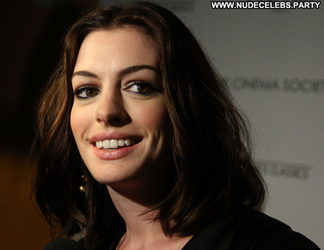 Anne Hathaway Rachel Getting Married Hat Babe Paparazzi Beautiful