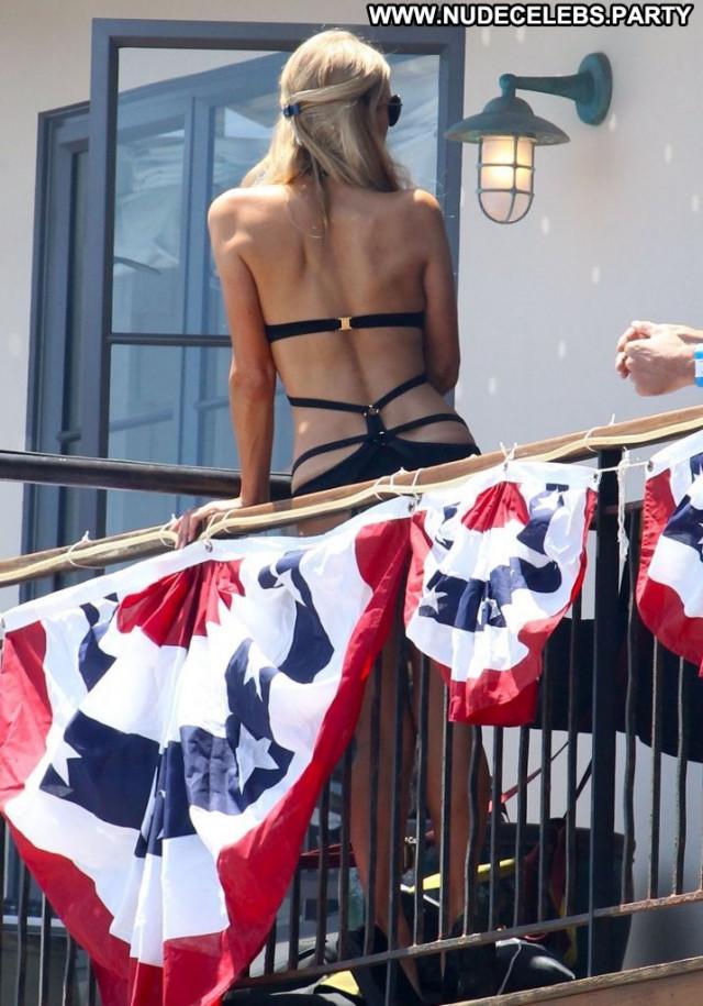Paris Hilton Party Beach Babe Celebrity Malibu Posing Hot Mali