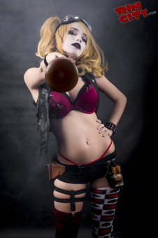 Harley-Quinn-Nude-Rin-City-Cosplay-02-hH5VxGK