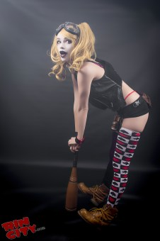 Harley-Quinn-Nude-Rin-City-Cosplay-11-t25nuVz