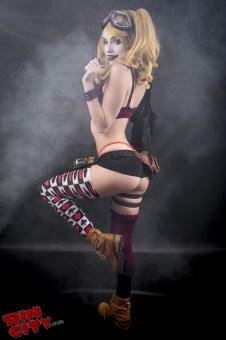 Harley-Quinn-Nude-Rin-City-Cosplay-14-c3o6ia7