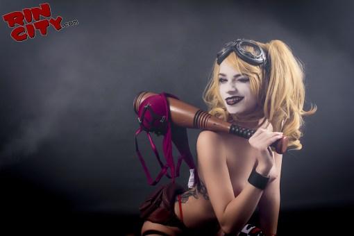 Harley-Quinn-Nude-Rin-City-Cosplay-31-HxLcLyy