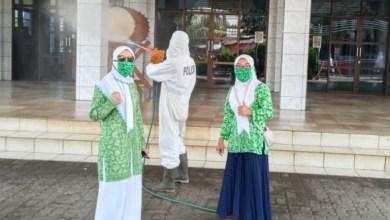 Photo of Ke 2 Kali, Fatayat dan Brimob Baksos Semprot Disinfektan Sasaran 1.000 Rumah