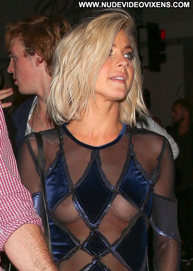 Julianne Hough No Source Braless Posing Hot Candids Celebrity Babe