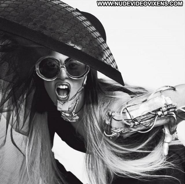 Lady Gaga Vogue Magazine Toples Smile Singer Babe Beautiful Shirt