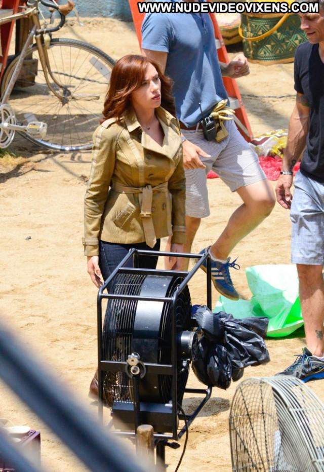 Scarlett Johansson In America Babe Celebrity Paparazzi Posing Hot