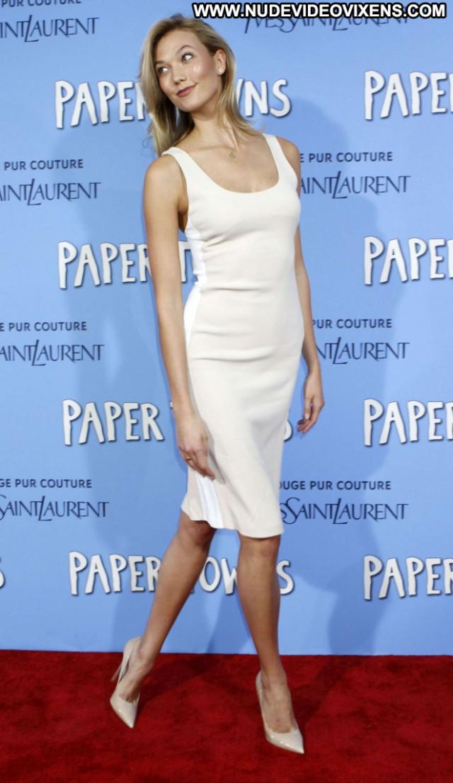 Karlie Kloss Paparazzi Babe Celebrity Beautiful Posing Hot Nyc