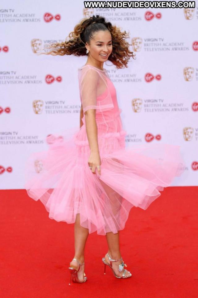 Ella Eyre No Source Celebrity Babe Awards London Paparazzi Beautiful