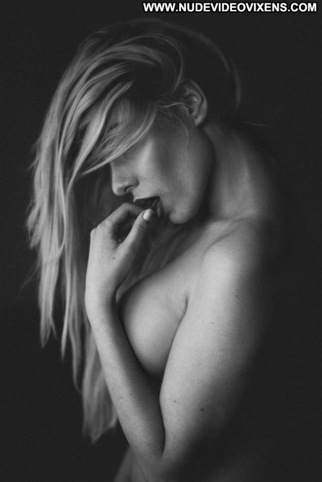 Anne De Paula Anna Nicole Winter River Sexy Nude Bra Celebrity Desi