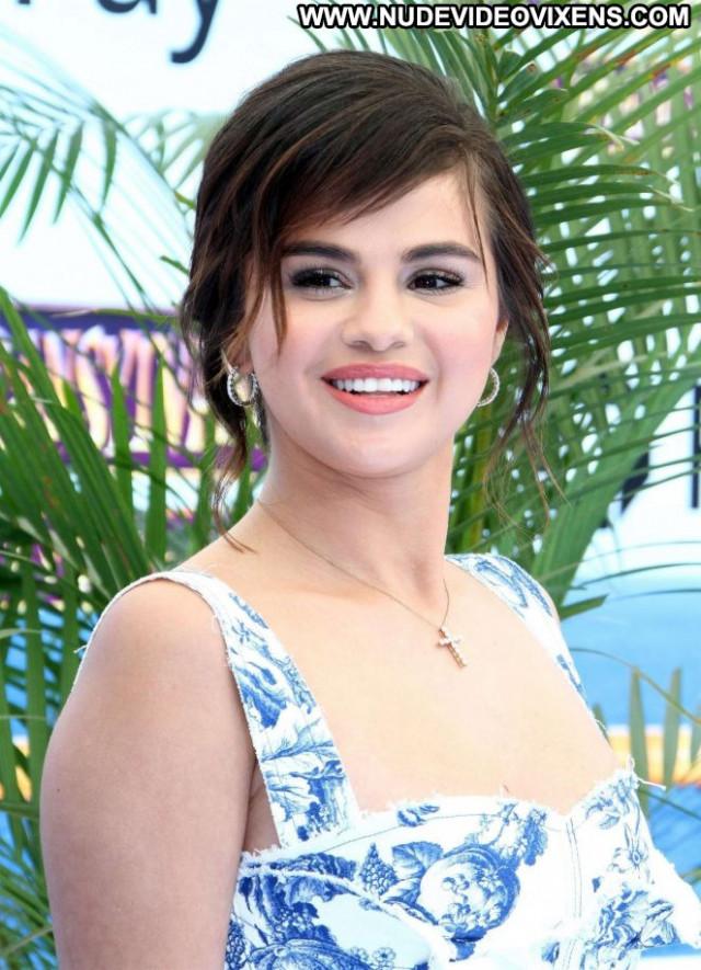 Selena Gome No Source Summer Celebrity Beautiful Paparazzi Babe