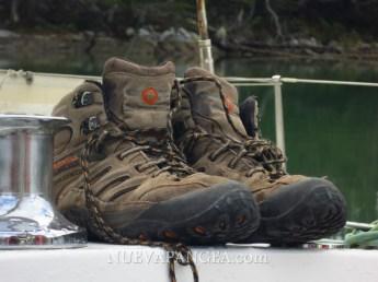 Mis botas, eran nuevas hace 4 meses, se jubilaron unos días despues de sacada esta foto