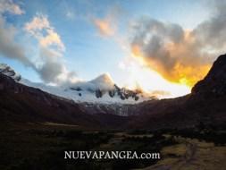 Las montañas amanecieron encendidas fuego