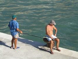 Esperando el pique. Cefalú, Sicilia