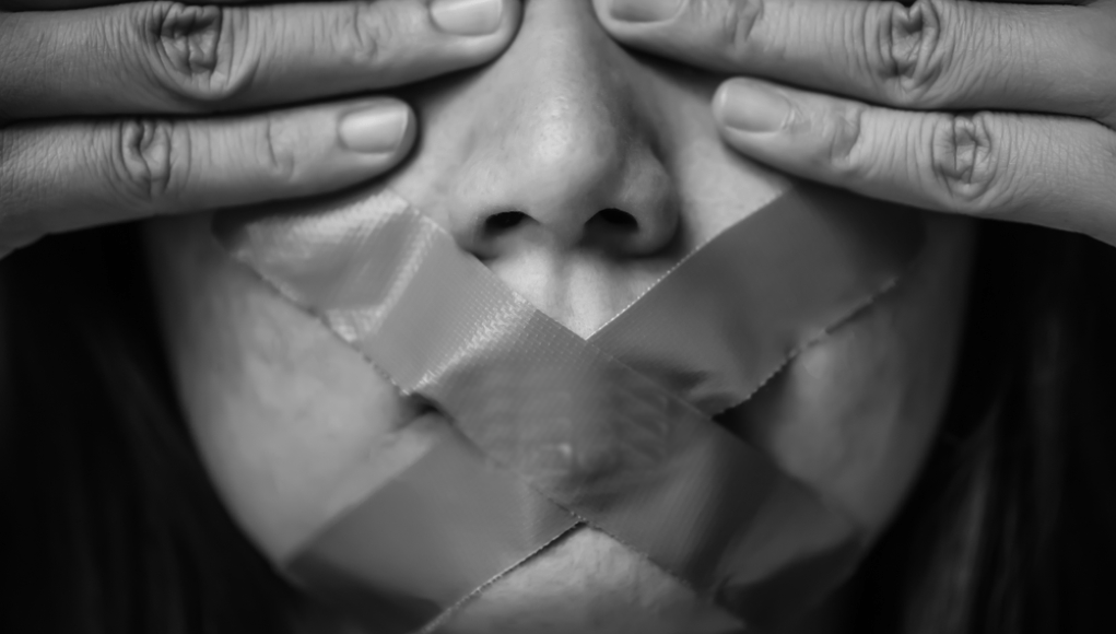 Cartel sobre derechos humanos ® Shutterstock