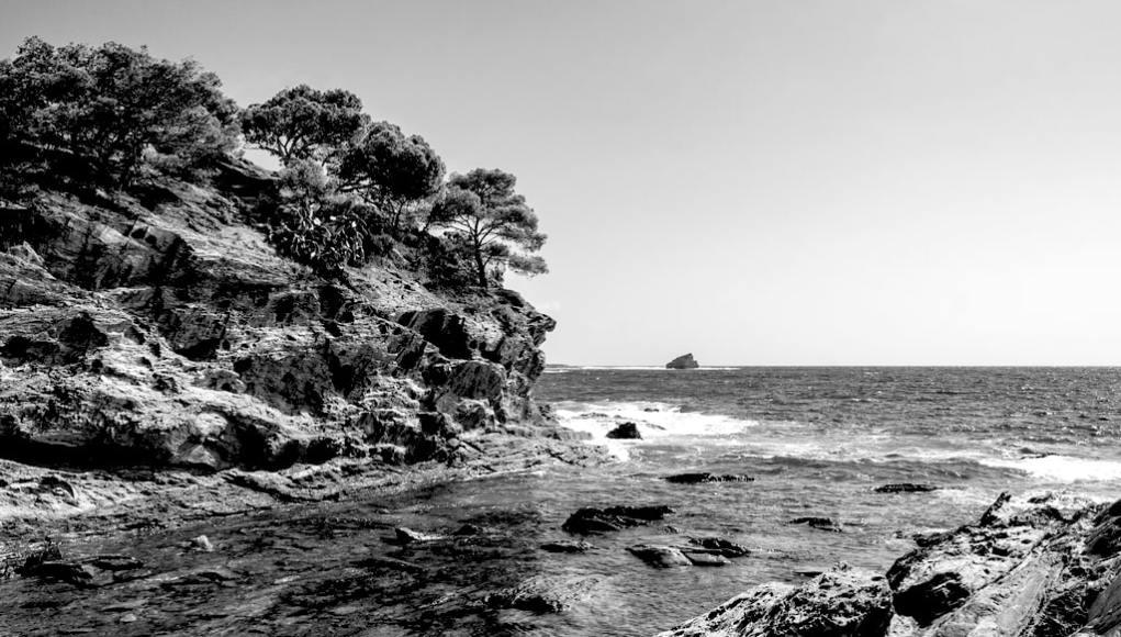 Un acantilado de Cadaqués