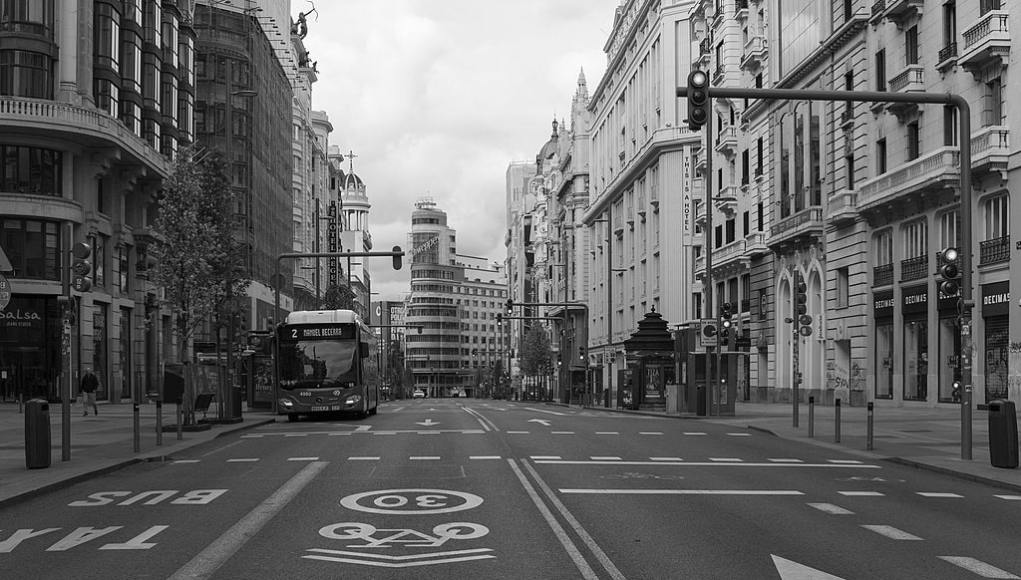 La Gran Vía (Madrid) el 22-03-2020. Foto: © Wikimedia Commons