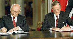 Gorbachov y Bush © Wikipedia