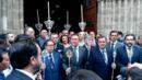 Críticas al alcalde de Sevilla por jurar como 'hermano mayor honorario' de una cofradía