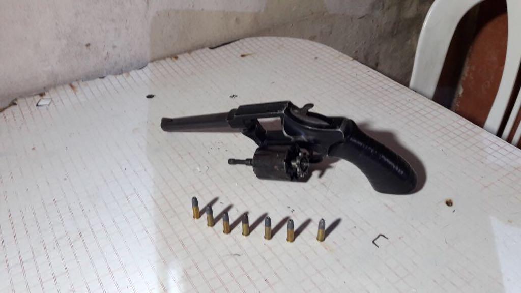 También-encontraron-armas-de-fuego-teléfonos-dinero-y-otros-elementos-de-interés-par-la-causa..jpg?fit=1024%2C576